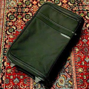 """Briggs & Riley 22"""" blk carryon suitcase good shape"""